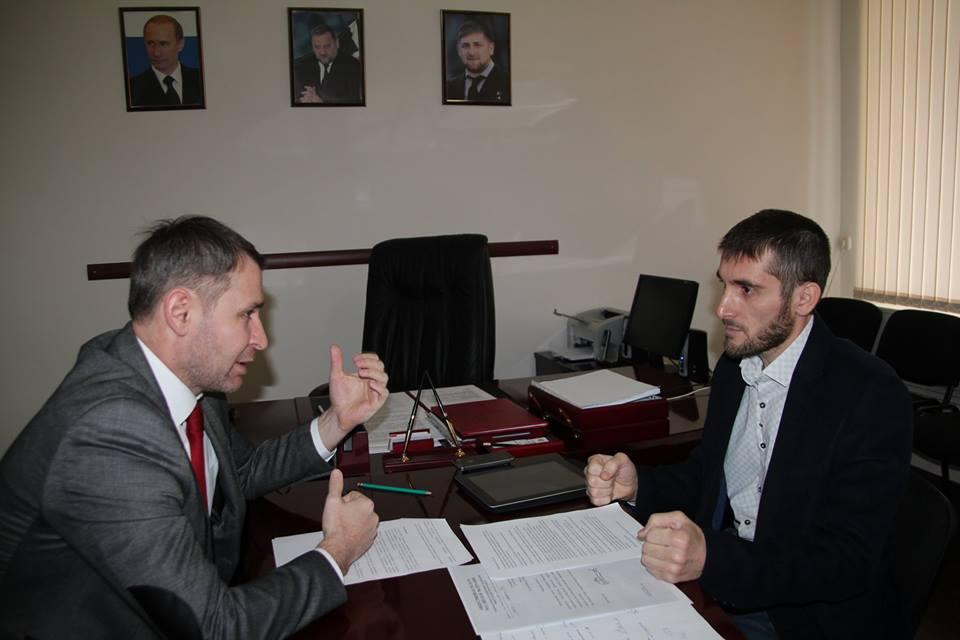 Глава ОП Чечни встретился с членами Национального общественного мониторинга